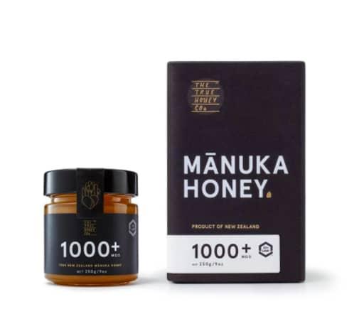 عسل مانوكا 1000 : فوائده وطريقة الحصول عليه